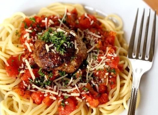 Simple and Delicious:  Spaghetti and Meatballs
