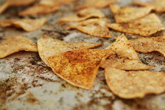 bakedtortillachipsoutoftheoven DIY: Easy Baked Tortilla Chips Recipe