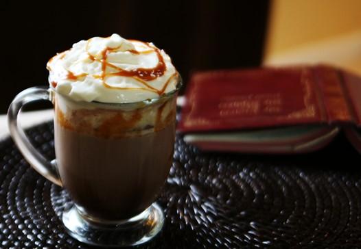 saltedcaramelhotchocolate2 Salted Caramel Hot Chocolate Recipe