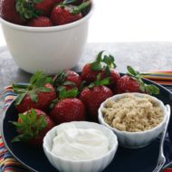 Strawberries Dipped in Sour Cream and Brown Sugar