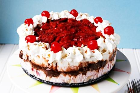 Banana Split Ice Cream Cake Recipe | Easy Recipes, Tips, Ideas, and ...