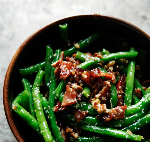 beansbaconpecans1 Green Beans with Bacon and Pecans