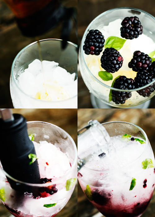 blackberrydrinkingredientssteps Blackberry Basil Seltzer