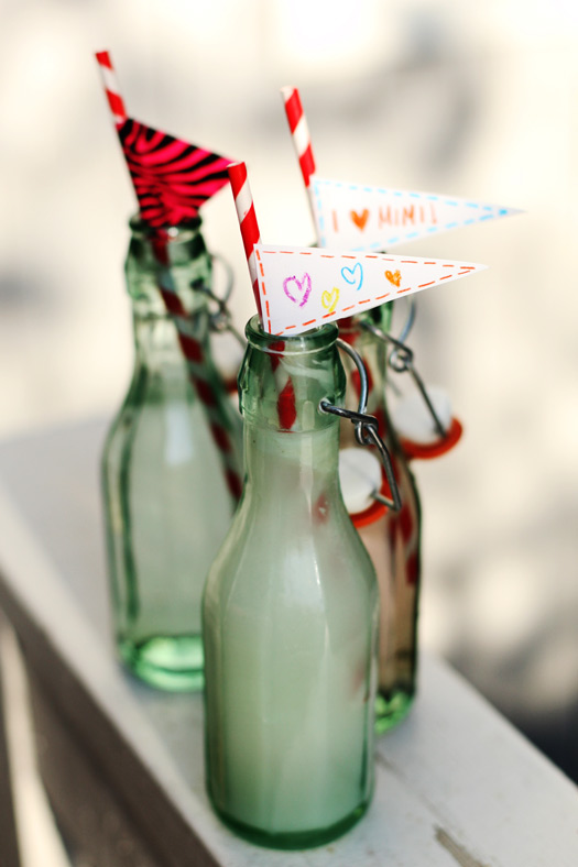 custom straw drinks Adding Personalized Creative Touches to Lunches