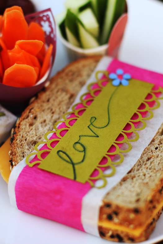 love sandwich Adding Personalized Creative Touches to Lunches