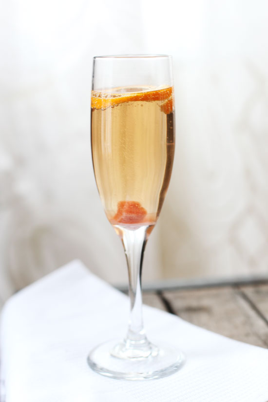 simple-champagne-cocktail-recipe