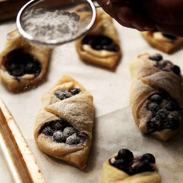 Blueberry Lemon Cheesecake Tarts Recipe | Easy Recipes, Tips, Ideas ...