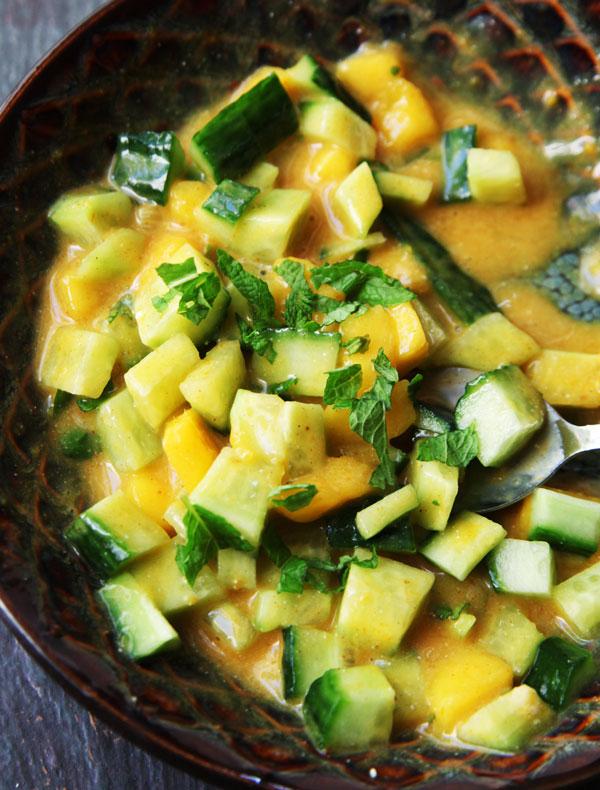 mango-curry-relish