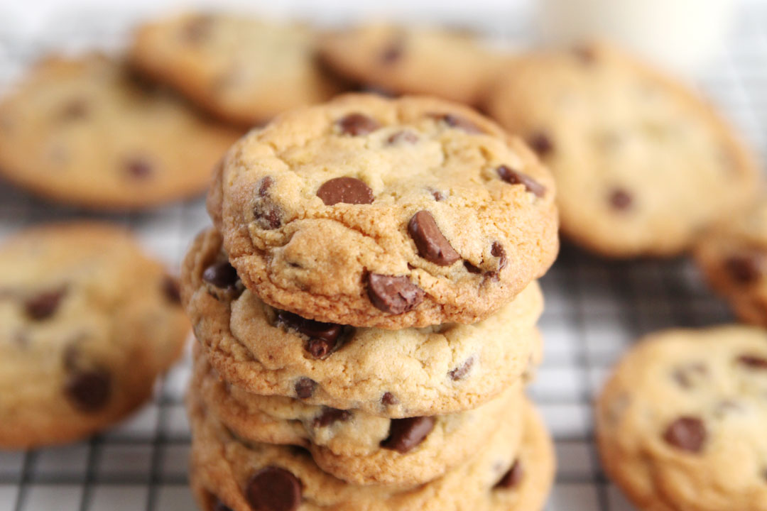 how to keep chocolate chip cookies soft